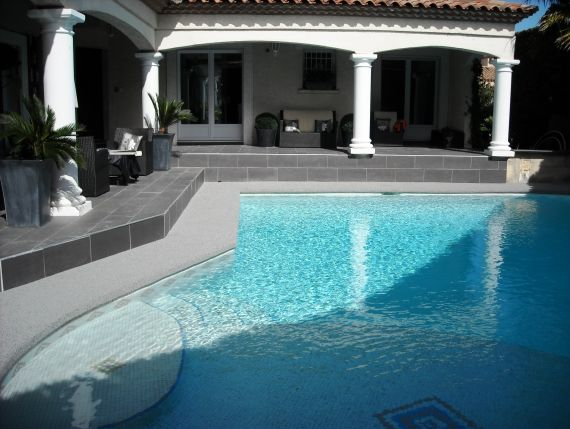 plage de piscine gravier r sine des photos des photos de fond fond d 39 cran. Black Bedroom Furniture Sets. Home Design Ideas