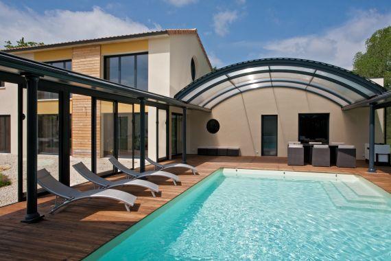 Les plus belles piscines de l 39 ann e 2012 piscine for Abri filtration piscine