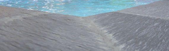 Margelles ardoise chez piscines magiline piscine for Piscine magiline avis
