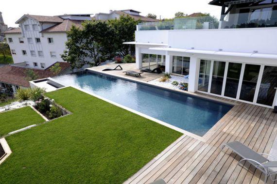 Les r sultats des troph es de la piscine 2011 piscine for Piscine carree miroir
