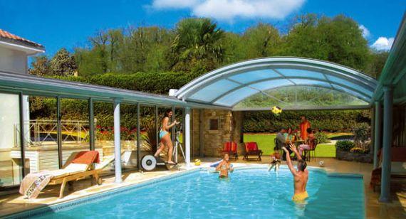 l 39 abri piscine haut de gamme piscine. Black Bedroom Furniture Sets. Home Design Ideas