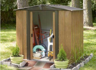 Quelle mati re pour votre abri de jardin - Petit jardin ru ...