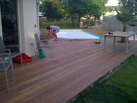 Terrasse bois pose sur une terrasse b ton existante avec plots b ton - Terrasse sur plot beton ...