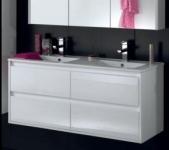avis sur cocktail scandinave salle de bains trenton. Black Bedroom Furniture Sets. Home Design Ideas